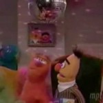 Bert & Ernie perform Ante Up by M.O.P (h/t @juliafallon)